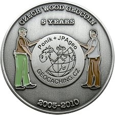 czech-wood-geocoin-vyroci-5-let-predni-strana-geovera-cz